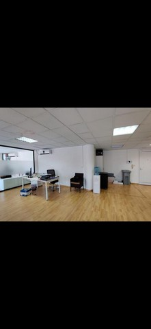 Office for rent 122m2