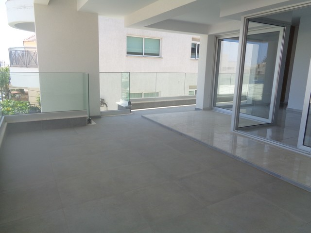 Modern and New 2 Bedroom Apartment Unfurnished