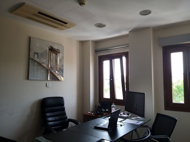 Penthouse ideal for Office