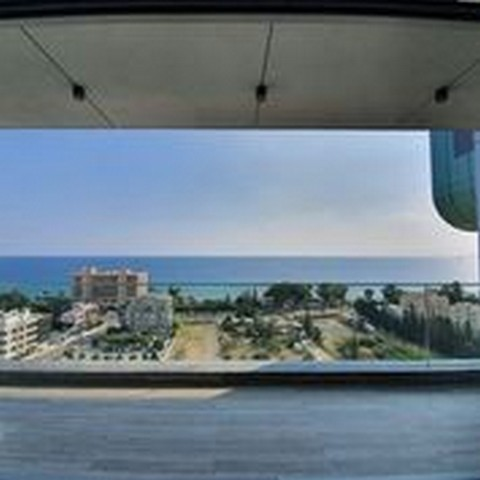 3 Bedroom High Rise Building with Stunning Sea Views