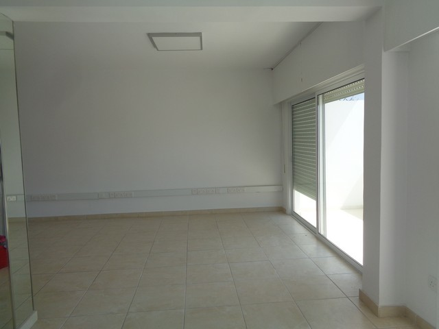 Spacious Apartment for Office 125m2 on the beach side