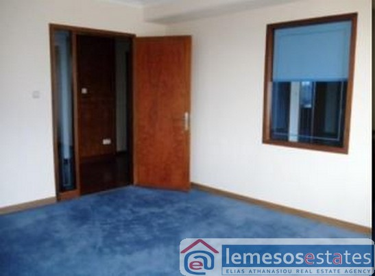 Sea Front office 208m2