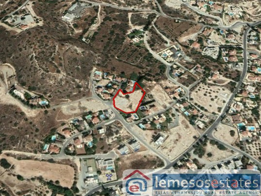 Land for sale in Agios Tychon