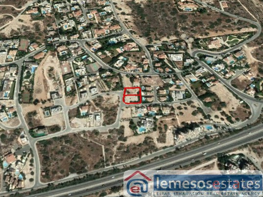 Plot for sale in Agios Tychonas