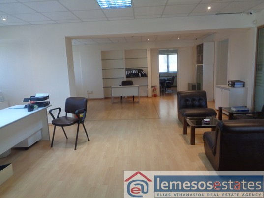 Office for rent in Agia Zoni